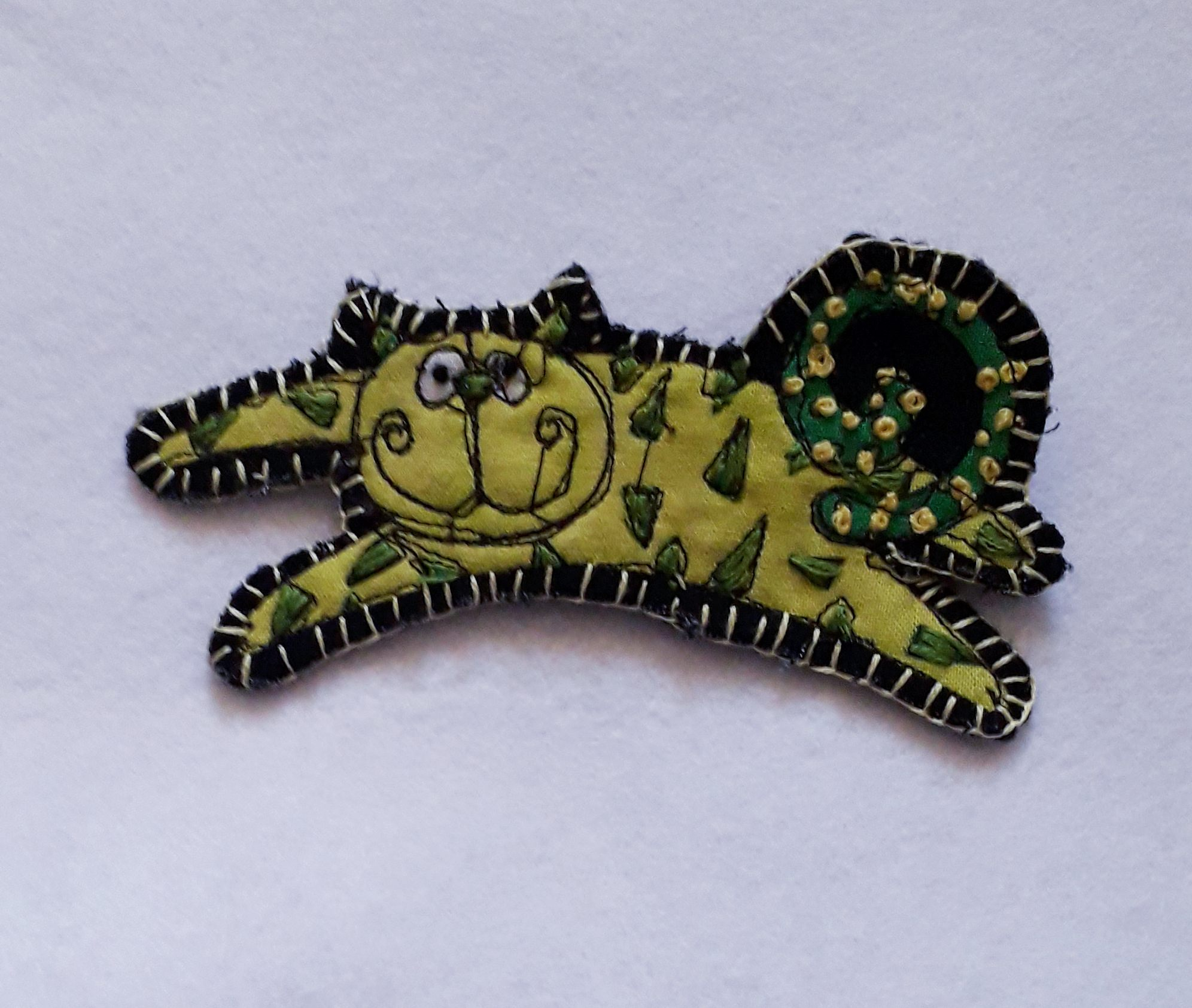 Yellow Cat Brooch 1